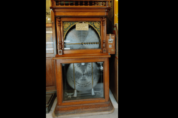 Marsh's Free Museum - Long Beach WA - Vintage Wellington Music Maker